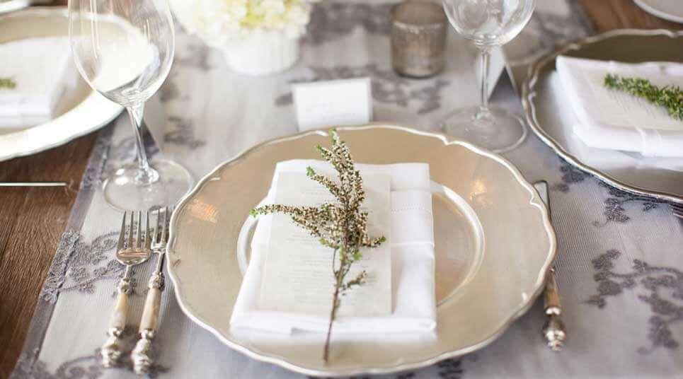 Cómo preparar una mesa para banquete