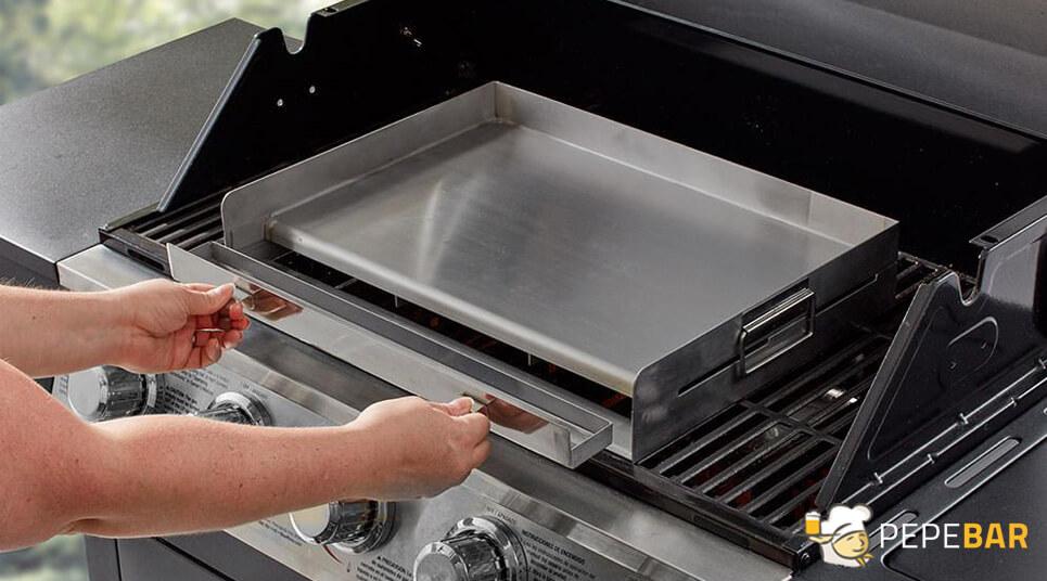 Cómo limpiar plancha de cocina en sencillos pasos