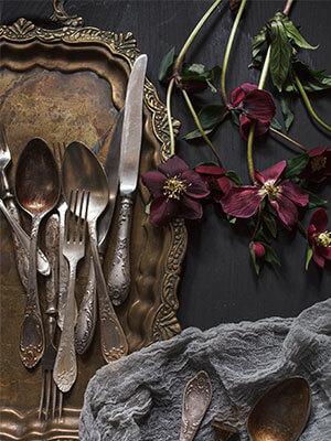 Limpiar cubertería de restaurante de acero inoxidable